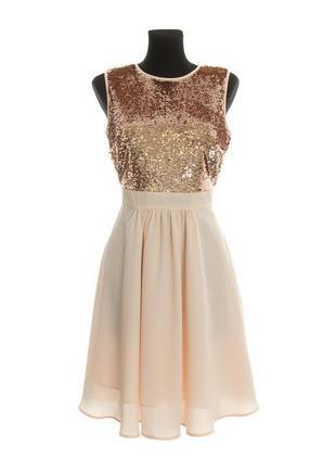 Платье миди персиковое бежевое с золотыми пайетками шифоновое на подкоадке orsay