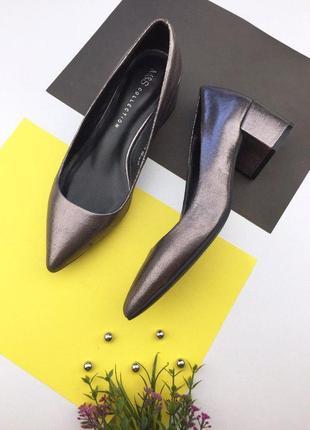 Женские туфли лодочки на толстом каблуке marks & spencer