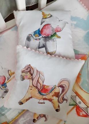 Набор детских подушек с плюшем
