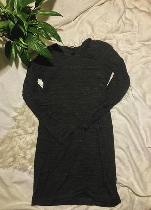 Базовое трикотажное платье по фигуре