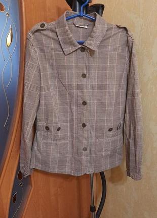 Ветровка-пиджак 16 размер в актуальную клетку