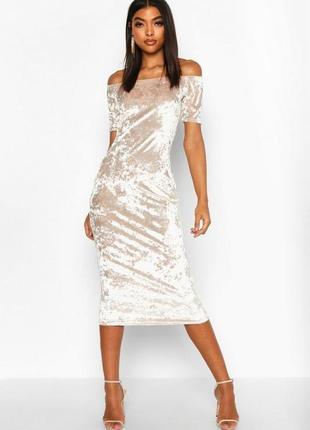 Boohoo, велюровое платье с открытыми плечами uk12 новое.