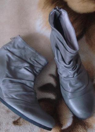 Bianco 35-36 р./22,5 cм. новые брендовые демисезонные кожаные ботинки