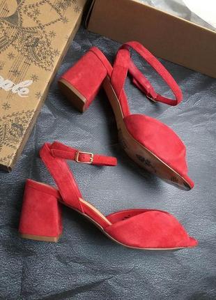 Free people оригинал красные замшевые босоножки на удобном каблуке