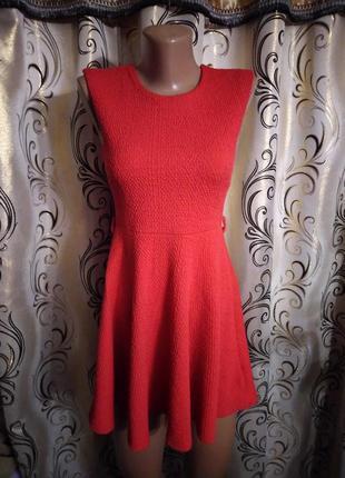 Симпатичное теплое платье из фактурной ткани miss selfridge