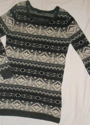 Теплый шерстяной свитер atmosphere