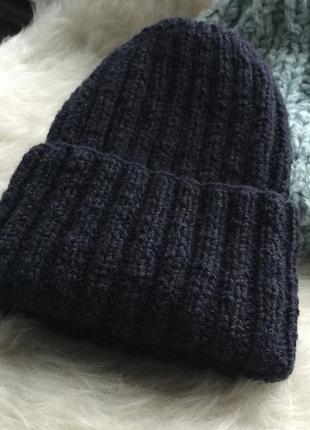 Теплая, плотная шерстяная шапка