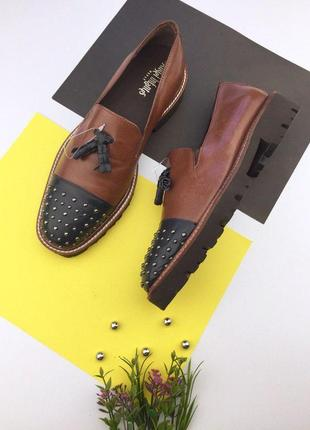 Кожаные туфли на низком ходу с заклепками