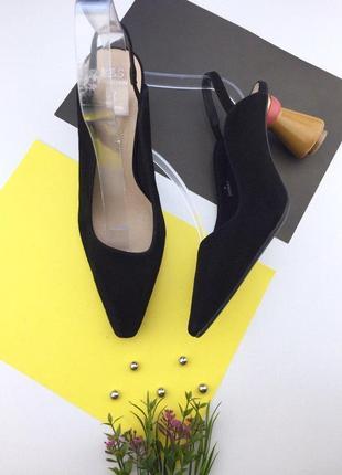 Замшевые туфли на необыкновенном устойчивом каблуке marks&spencer