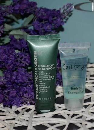 Peter thomas roth mega rich shampoo - питательный шампунь для всех типов волос миниатюра