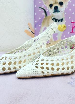 Шикарные белые туфли из натуральной кожи, оригинальное плетение, каблучок 5 см