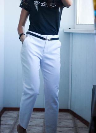 Белые брюки mango размер s