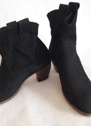 Натуральные кожаные ботинки фирмы letizia borghi by vera gomma ( италия)