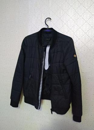 Бомбер, куртка, пуховик осень-весна, без капюшона черный