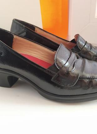 Женские демисезонные туфли 38р
