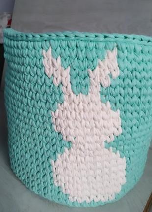 Большая вязаная корзина для игрушек в цвете мята + молоко