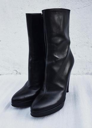 Черные ботинки prada сапоги на каблуке