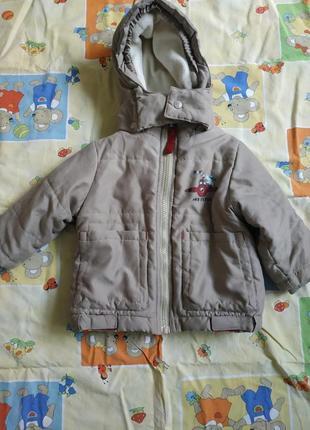Курточка теплая с капюшоном на 70-80 рост