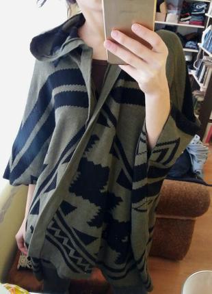 Кардиган пончо бохо накидка с капюшоном цвета хаки с этно орнаментом1