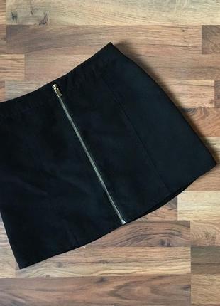 Стильная черная юбка под замш размер xs
