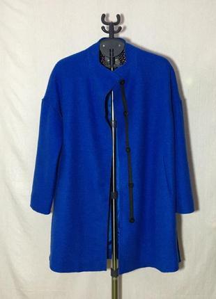 Стильное шерстяное пальто бойфренд oversize королевский синий цвет с разрезами