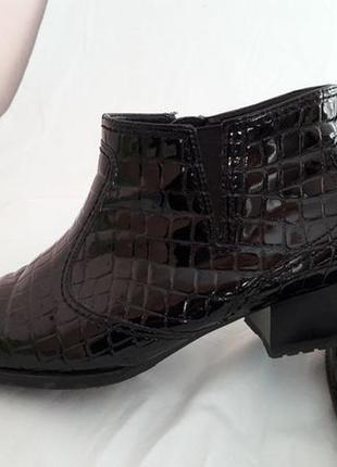 Ботинки немецкого бренда ara. натуральная кожа. лаковые.