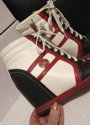 Сникерсы-ботиночки на танкетке 37р.24см