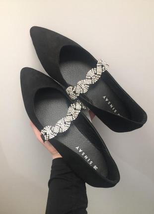 Балетки чёрные с камнями туфли