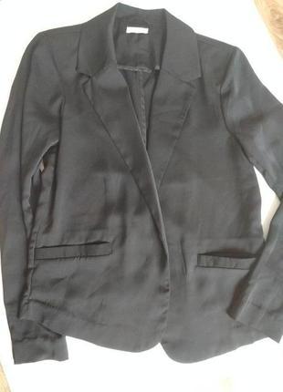 Жакет пиджак смокинг атласный черный