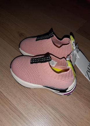 Кроссовки  zara baby с фиброй 20р для девочки