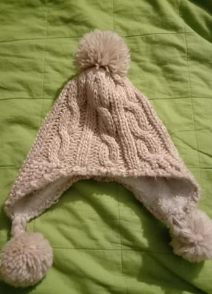 Теплая шапка на девочку 2-4года
