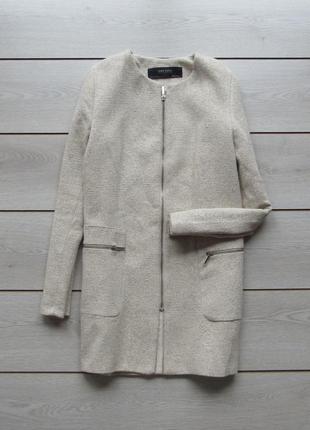 Красивое пальто с круглым вырезом на молнии от zara
