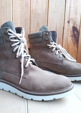 Стильные кожаные новые утепленные ботинки legend полусапожки