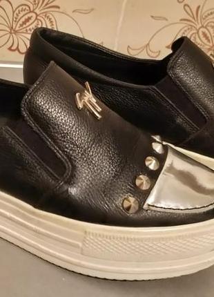 Продам женские демисезонные кожанные туфли слипоны на платформе elmira