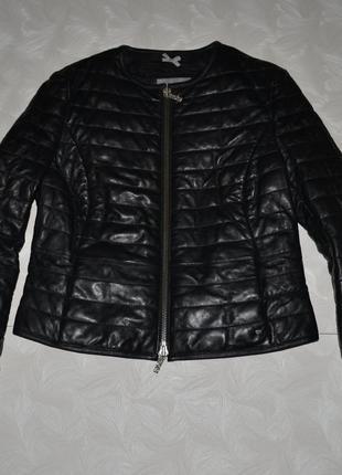 Красивая кожаная куртка hugo boss , р. l