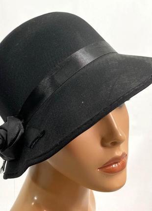 Шляпка черная, легкая, жетская