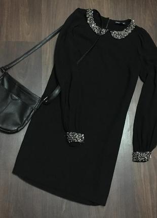 Красивое платье с паетками и бисером от warehouse