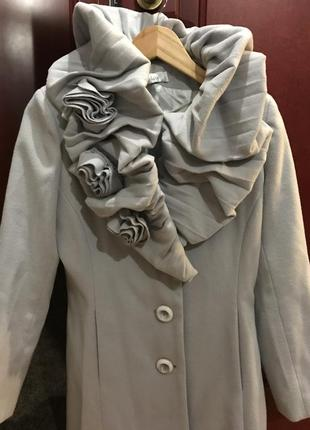 Супер шерстяное пальто от max mara, 38 (m)