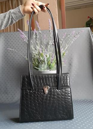 Кожаная красивая черная сумка фирмы clarks