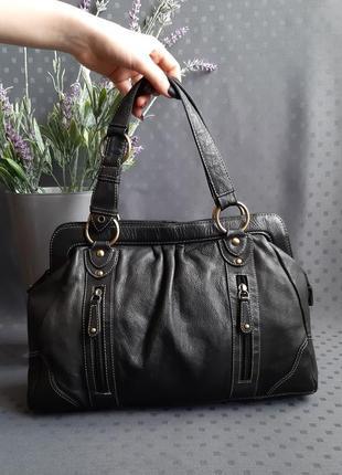 Кожаная красивая черная сумка