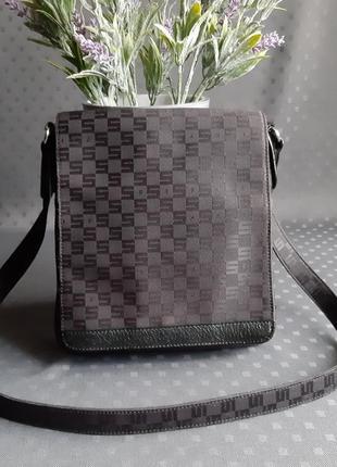 Красивая черная брендовая сумка кроссбоди фирмы sisley