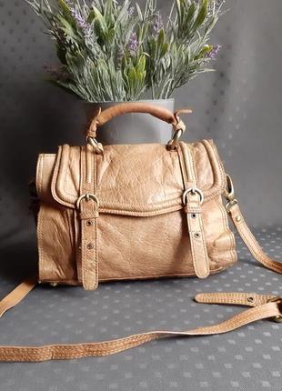 Кожаная светло коричневая сумка с длинным ремешком фирмы topshop