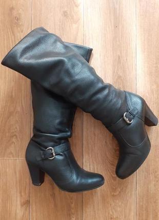 Распродажа обуви - 50%!!! в наличии выбор. кожаные сапоги трубы демисезонные .