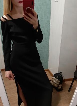 Шикарное платье с открытой спиной 🔥