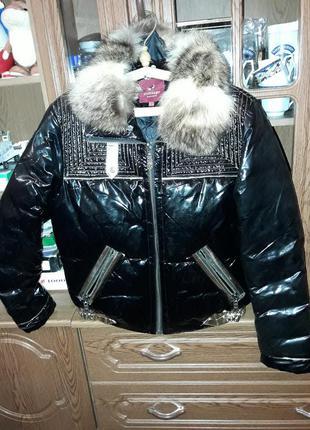 Куртка.  зимняя  !!!  на. утеплителе :  пух. 80%  ,перо. 20 % .!!!