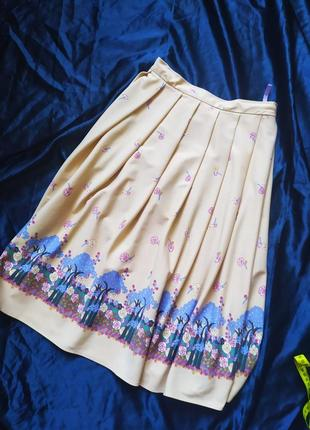 Стильная бежевая миди юбка