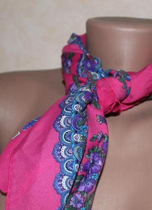 Платок, розовый,с красивым узором. платок шейный, на сумку