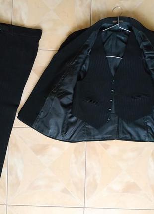 Школьный костюм 7-8 лет (пиджак+брюки+жилетка)