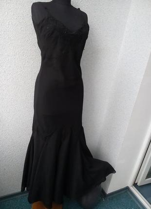 Черное шифоновое платье расшитое бисером и пайетками vila