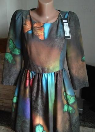 Фирменное крутое платье с бабочками